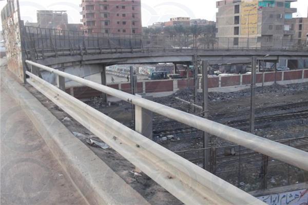 برلمانيو «المرج» يحذرون من كارثة كوبري محمد نجيب.. والأهالي: «أنقذونا»