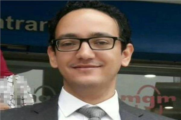 الكاتب عبد الفتاح دياب