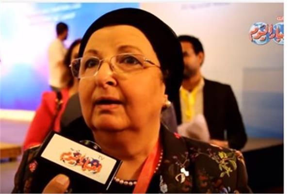 أستاذ طب المجتمع والبيئة بكلية الطب جامعة عين شمس د.وجيدة أنور