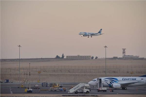 مصرللطيران :تحويل مسار رحلة نيويورك لإنقاذ حياة راكب
