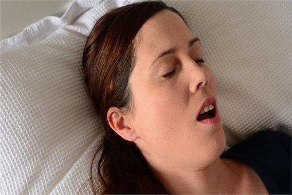 أضرار التنفس عن طريق الفم