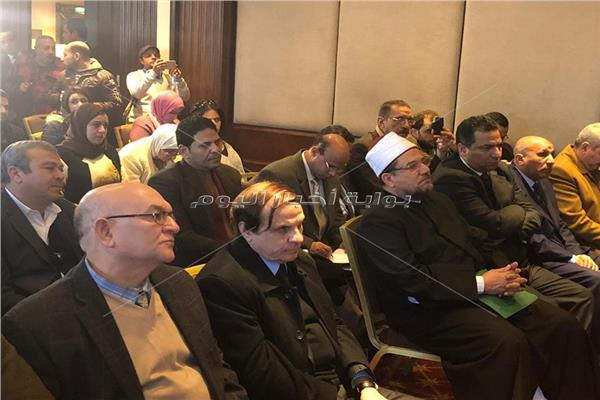 وزير الأوقاف خلال المؤتمر الصحفي
