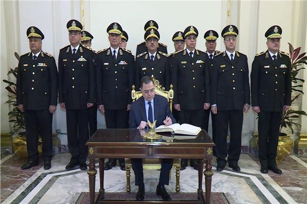 وزير الداخلية يهنئ الرئيس السيسي بمناسبة عيد الشرطة