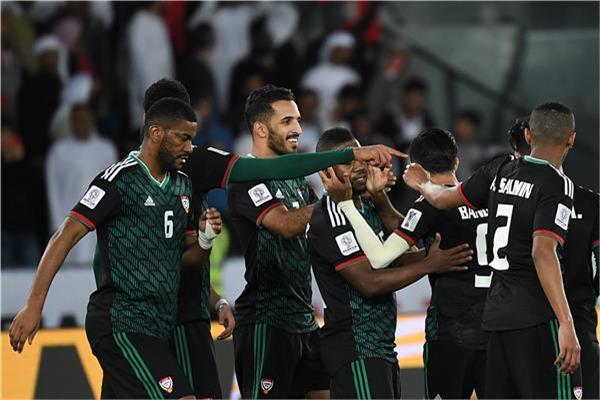 فرحة لاعبي الإمارات بالفوز