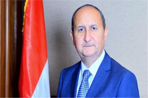 عمرو نصار- وزير الصناعة