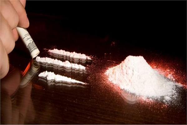 تعاطيهم المخدرات