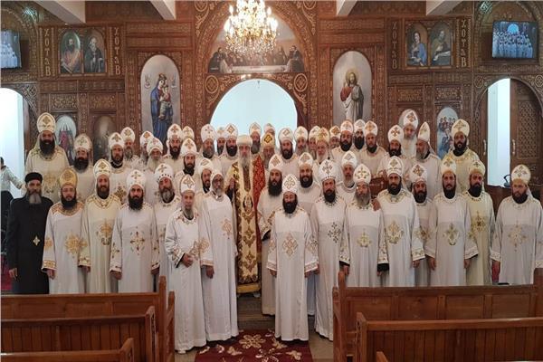 اجتماع كهنة الشرقية والعاشر بالكنيسة الجديدة بالصالحية الجديدة