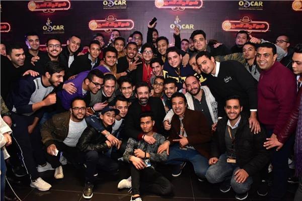 كريم عبد العزيز يحتفل بالفائزين في مسابقة فيلم نادي الرجال السري