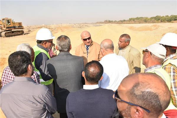 نائب رئيس الشركة القابضة للمياه يتابع توسعات المعالجة بالأقصر