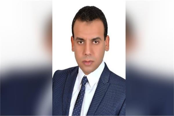 الدكتور كريم العمدة، الخبير الاقتصادي