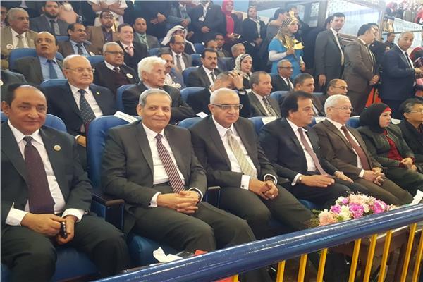 وزير التعليم العالي وحضور الافتتاح