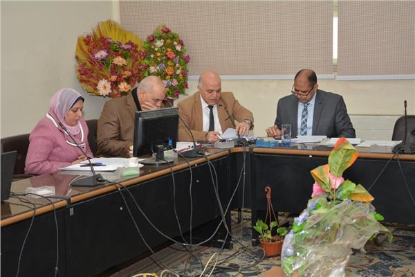 إجتماع مجلس إدارة مستشفيات أسيوط الجامعية