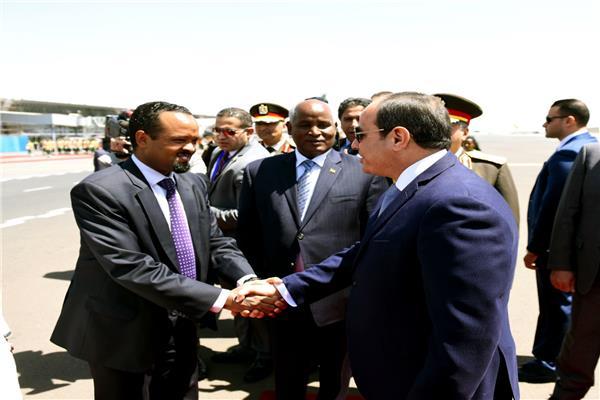 الرئيس السيسي فور وصوله إثيوبيا لرئاسة مصر الاتحاد الإفريقي