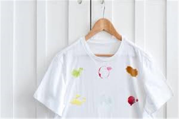 3 طرق سحرية لإزالة البقع من الملابس البيضاء