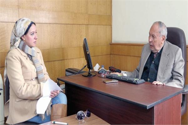 السفير أحمد حجاج خلال حواره مع الأخبار
