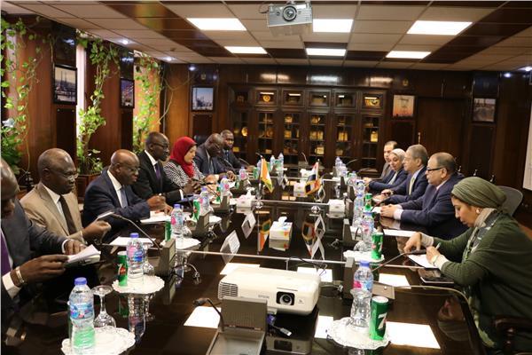 أسامة عسران يستقبل وزير الكهرباء بكوت ديفوار لبحث سبل التعاون بين البلدين