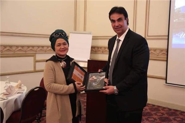 السياحة الإندونيسية توجه الدعوة لعشرين شركة سياحة مصرية لزيارة بلادها