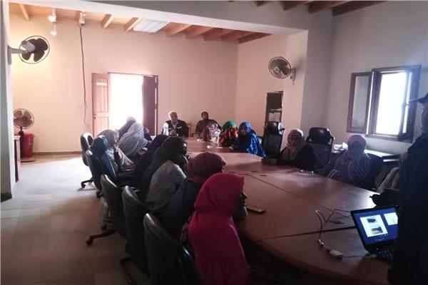البيئة : برامج متخصصة لتدريب المرأة على الحرف اليدوية بمحمية وادى الجمال
