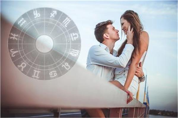 كيف يتصرف الرجال في «عيد الحب»؟.. برجك يجيب