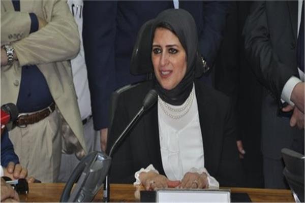 وزيرة الصحة: تطعيم الديدان المعوية آمن ولم نرصد أي مضاعفات