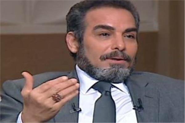 النجم احمد عبدالعزيز