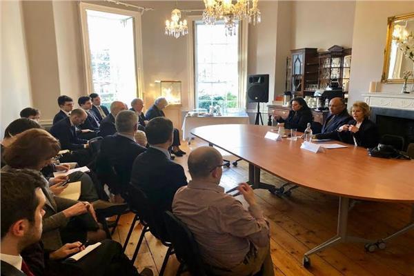 جلسة حوارية مع أعضاء معهد الشئون الدولية والأوروبية