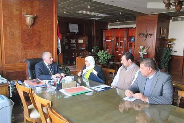وزير الري خلال الاجتماع