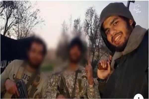 الإرهابي عمر الديب مع أعضاء تنظيم ولاية سيناء