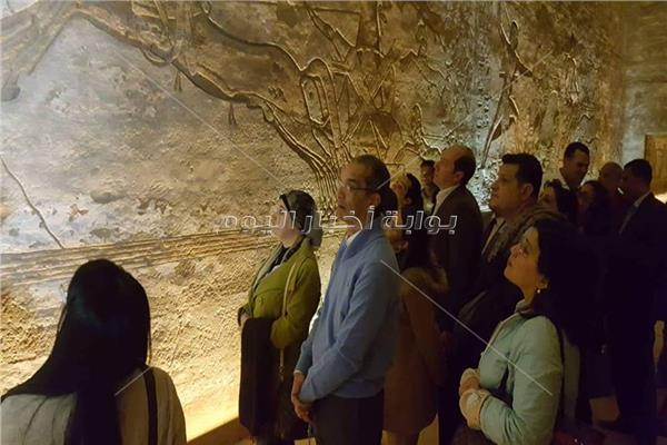 وسط حضور 5 وزراء.. وفد دبلوماسي إفريقي في جولة بمعبد أبوسمبل