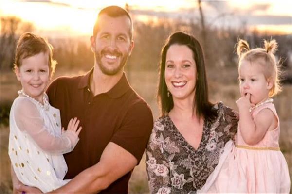الزوج القاتل كريس و الزوجة الضحية «شانان واتس» و أطفالهم