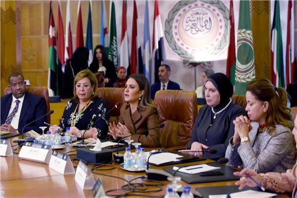 وزيرة الاستثمار أمام المؤتمر السنوى لسيدات الاعمال