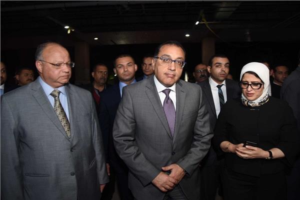 د.مصطفى مدبولي ووزيرة الصحة ومحافظ القاهرة يتابعون حالات المصابين في الحادث