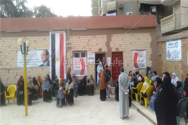 إقبال كثيف من مواطني الجيزة على المرحلة الثالثة لـ«100 مليون صحة»