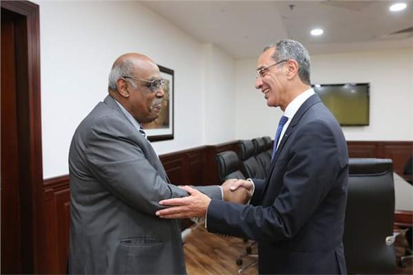 وزير الاتصالات يستقبل سفير إريتريا