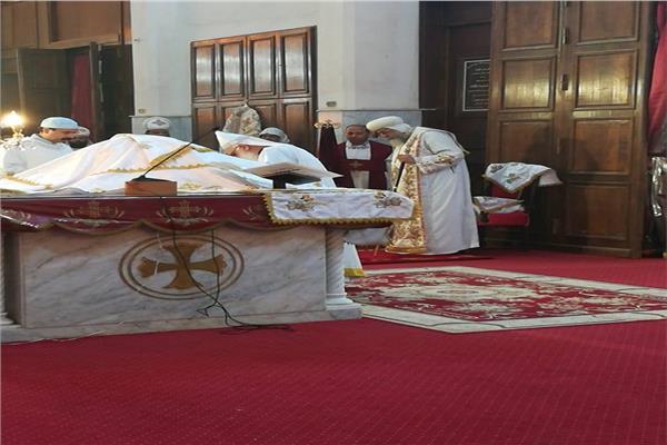 البابا تواضروس يسيم 15 كاهنا جديدا للخدمة بالإسكندرية