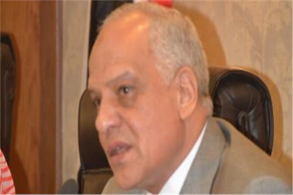لتقاعسة عن إزاله مخالفة .. إنهاء تكليف نائب رئيس مركز ومدينة أبو النمرس