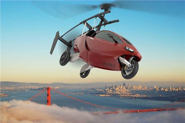 """""""السيارة الطائرة"""" الأولى من نوعها في العالم"""