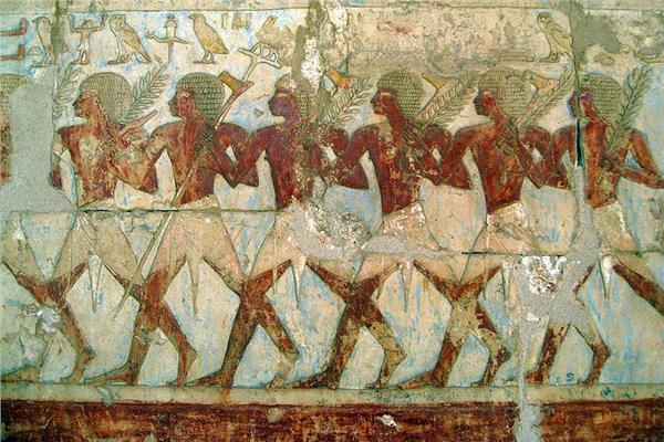 أضخم بعثة فرعونية لـ«بونت».. الذهب مقابل الزراف والنسانيس وأشجار البخور