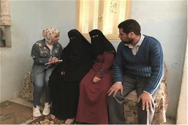 الأم المثالية وأولادها مع محرره بوابة أخبار اليوم