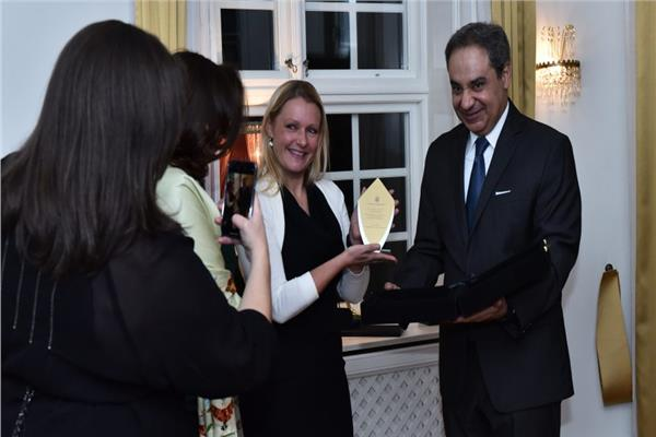 تكريم السفير المصرى فى ستوكهولم لبعثة الآثار السويدية العاملة فى مصر