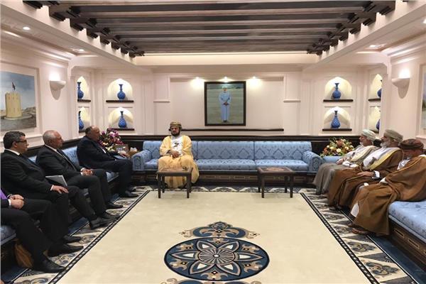 وزير الخارجية يلتقي نائب رئيس الوزراء العُماني في مُستهل زيارته لمسقط