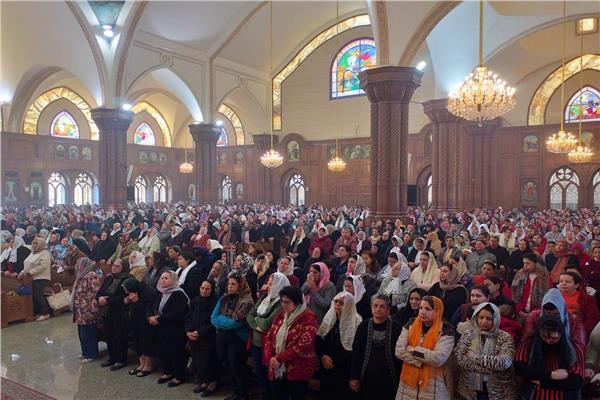 ٣٠٠٠ سيدة في احتفال إيبارشية الفيوم بعيد الأم