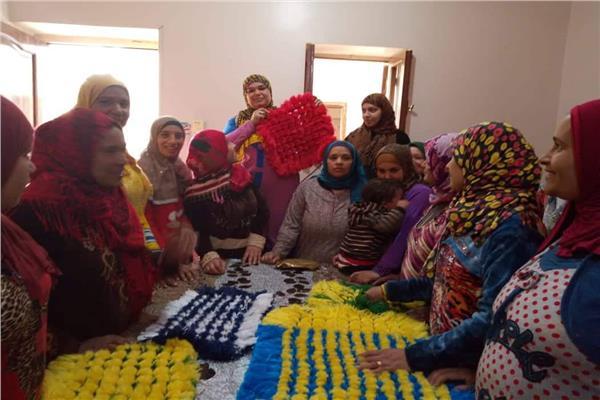 ورش فنية للاحتفال بأعياد المرأة بثقافة المنيا