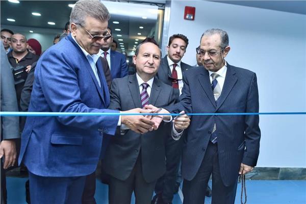 وزير التجارة خلال الافتتاح