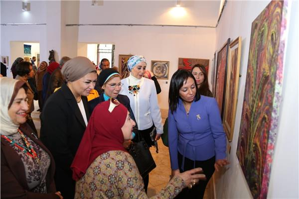 أول معرض من نوعه خاص بتقديم أعمال الفنانات المصريات