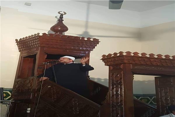 وزير الأوقاف أثناء خطبة الجمعة من طابا