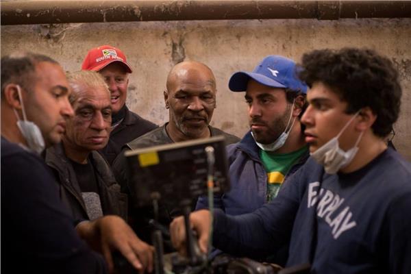 """كواليس تصوير مشاهد كرم جابر وبيج رامي مع مايك تايسون بفيلم """"حملة فرعون"""""""