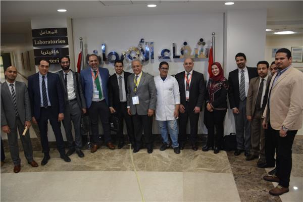 أساتذة الأورام والأطباء المشاركون في مؤتمر مستشفي شفاء الأورمان بالأقصر يزورون مقر المستشفي