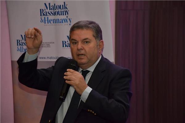 هشام توفيق وزير قطاع الأعمال العام