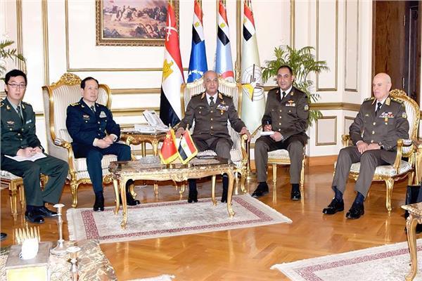 وزير الدفاع ونظيره الصيني يبحثان زيادة أوجه التعاون العسكري